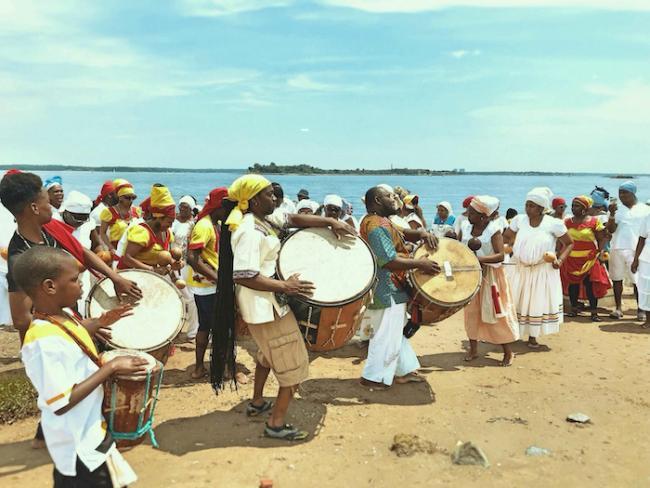 A Garifuna ritual gathering to honor the ancestors at Orchard Beach in the Bronx, New York, June 2017. (Paul Joseph López Oro)