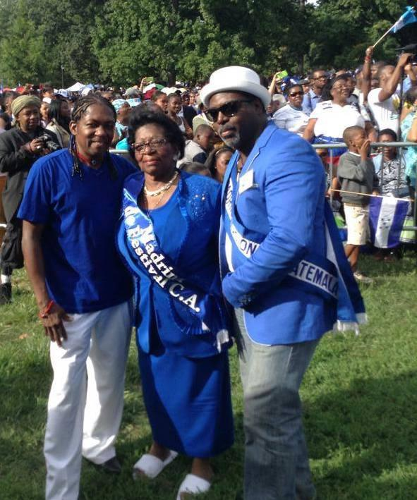 Aida Lambert (center) is honored as Madrina de Festival Centroamérica during the 2014 Central American Parade and Festival in Crotona Park in the Bronx, New York. (Paul Joseph López Oro)