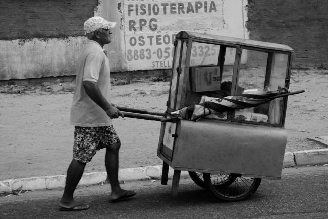 Brazilian street vendor. (Cícero R. C. Omena / Creative Commons)