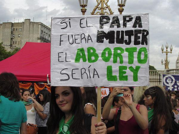 Abortion rights protestors demonstrate in front of Argentina's Congress on February 19, 2018. (Wikimedia Commons/Soyyosoycocomiel)