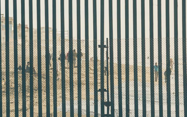 The U.S.-Mexico border fence just south of San Diego (Tony Webster/Flickr)