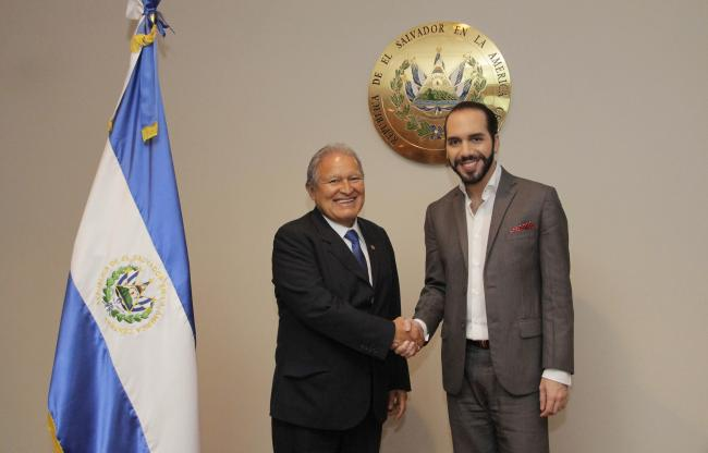 President of El Salvador, Salvador Sánchez Cerén, and the then-mayor of San Salvador, Nayib Bukele, during a meeting on cooperation issues between the central government and the capital city, May 7, 2015. (Presidencia El Salvador / Wikimedia)
