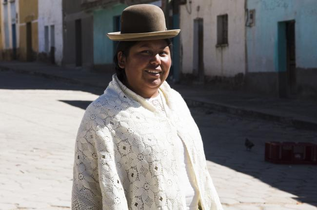 The mayor of Collana, Bertha Quispe, in the central square of the village. (Photo by Irene Escudero)