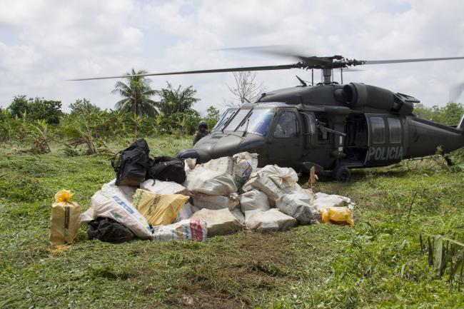 A 2016 drug bust implicating Clan Úsuga, now known as Clan del Golfo, one of Colombia's most notorious paramilitaries. (Flickr/Policía Nacional de los colombianos)