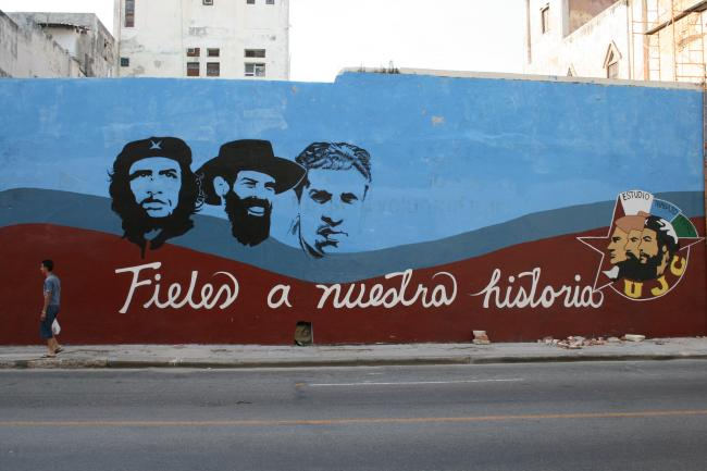 """A mural with the words """"faithful to our history"""" in Havana. (Vincent Pollard, Flickr)"""