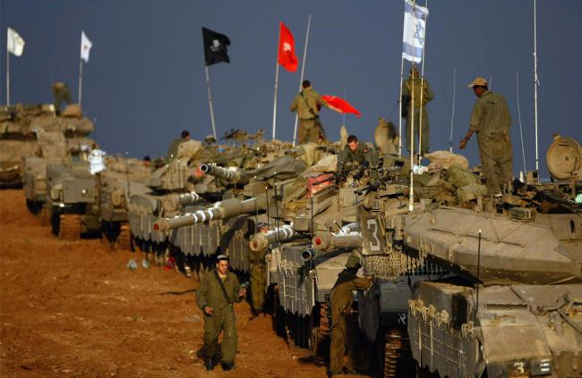 Israeli Army tanks by the Gaza border (Amir Farshad Ebrahimi / Creative Commons)