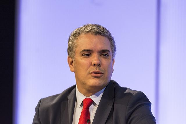 Iván Duque speaks to the press during a campaign interview in January 2018. (flickr/Casa América)