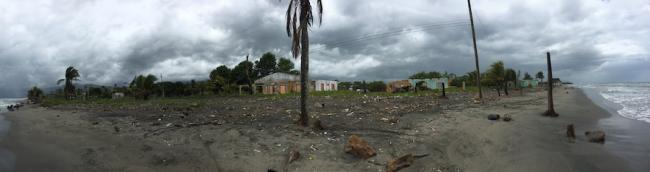 Abandoned houses in Barra del Motagua, July 2018. (Photo by Colectivo Linea 84)