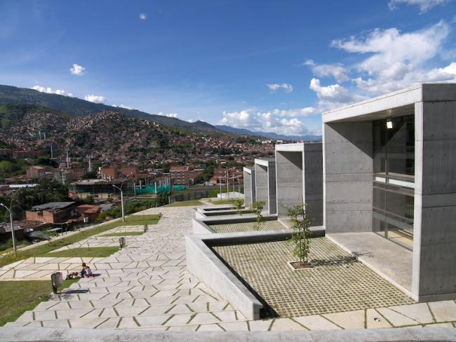 The San Javier Library Park overlooks the city of Medellín. (Photo by Javier Vera Arquitectos/Flickr)