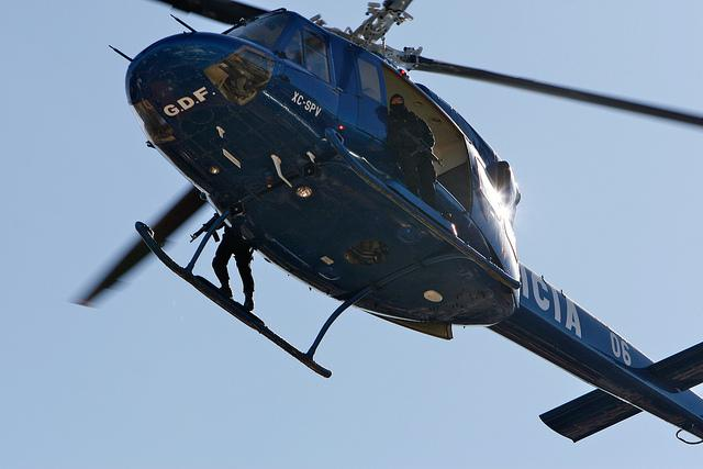 A police helicopter hovering above Mexico City (Pulpolux / Creative Commons)