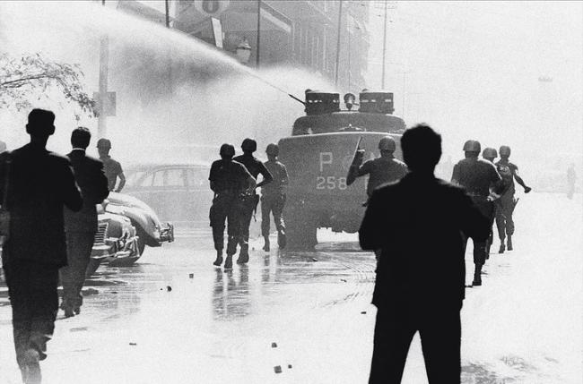 A scene in São Paulo, Brazil, on April 1, 1964, during the military coup against President João Goulart that installed a dictatorship. (Photo via Public Archive of São Paulo State)