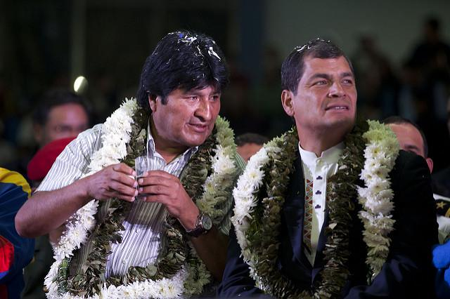 Bolivian President Evo Morales (left) and Ecuadorian President Rafael Correa (right) meet in Cochabamba in 2013. (flickr / Fernanda LeMarie)