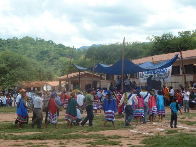 The APG IG Anniversary celebration in the Ñaurenda community in 2011 (Photo by Penelope Anthias)