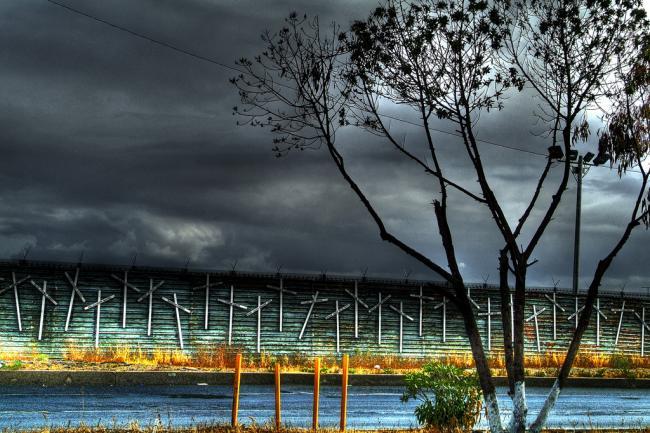 The border fence near Tijuana, Mexico (Juan José Figueroa / Flickr)