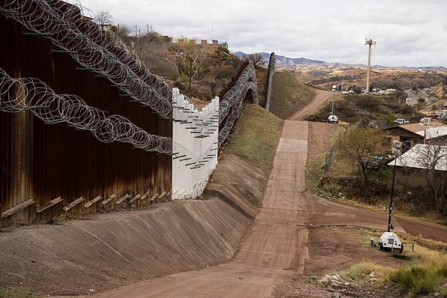 Mexico border near Nogales, AZ, February 4, 2019. (Photo by Robert Bushell/Wikimedia)