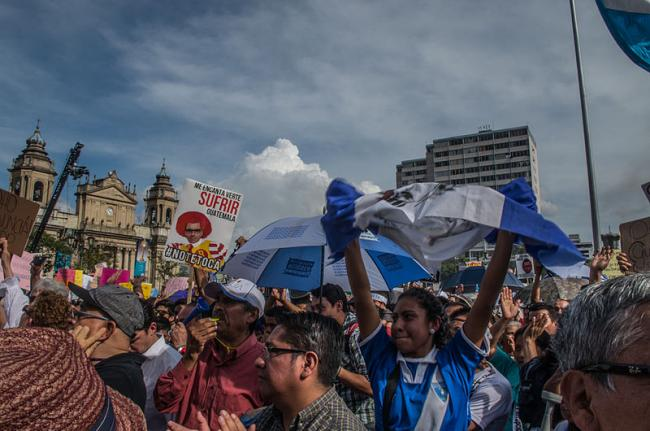 Citizen protest calling for Otto Pérez Molina to step down in Guatemala in May 2015 (Wikimedia Commons/Eric Walter).