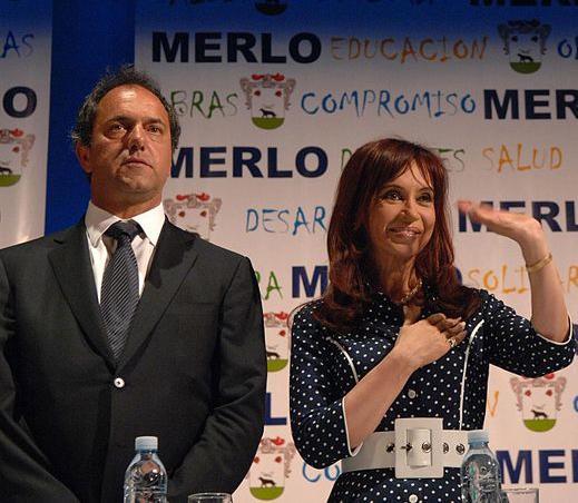Outgoing President Cristina Fernández de Kirchner (right) with candidate Daniel Scioli. (Creative Commons/Presidencia de la Nación Argentina)