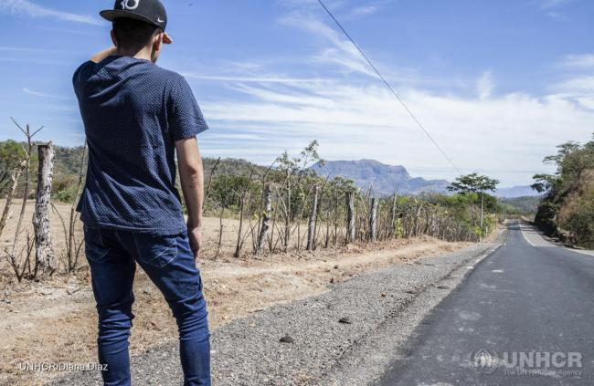 "A young internally displaced man in El Salvador who went in hiding to flee gangs. He told UNHCR: ""You either join, die or flee."" (Photo by UNHCR/Diana Diaz)"