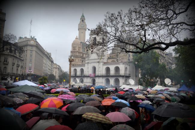 NiUnaMenos protestors congregate, a sea of umbrellas in downtown Buenos Aires (Photo by Felicitas Rossi)