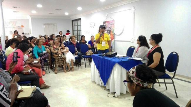 Members of the Red de Mujeres Afrocaribes present their proposal for a peace accord that includes the Afro-Colombian community, in 2016 (Red de Mujeres Afrocaribes)