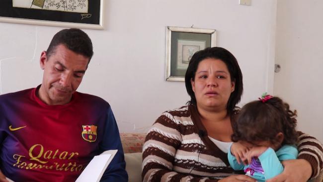 Jorge Tarazona y Adrién Medina con su hija. (Foto por Kevin Young)