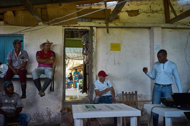 "Residents of the village ""La America"" at a national crop substitution program presentation in March 2017 (Photo by Gerald Berrmúdez)"