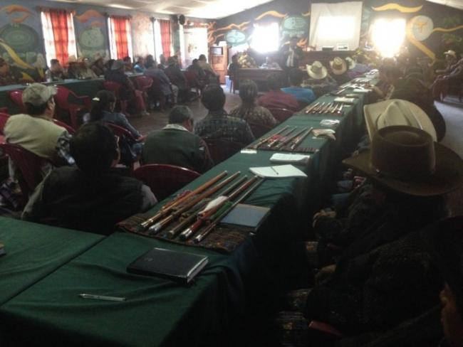 Juan Castro speaks at a meeting of Maya authorities of Sololá. (Photo by José Agry Sian)