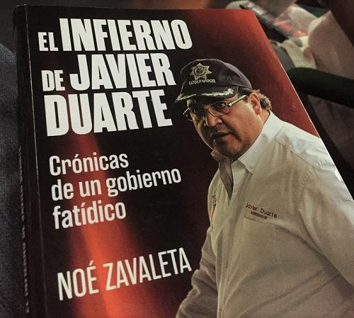 Noé Zavaleta's book, Javier Duarte's Hell, at its Xalapa Book Launch at the Casino Jalapeño, on August 12, 2016. (Photo by Patrick Timmons)
