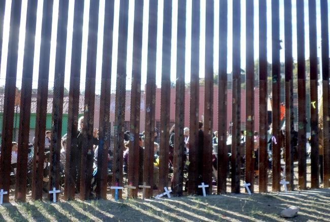 Attendees of the border Encuentro in Nogales, Sonora, seen from the Arizona side of the fence (photo by Katharine Davies Samway)
