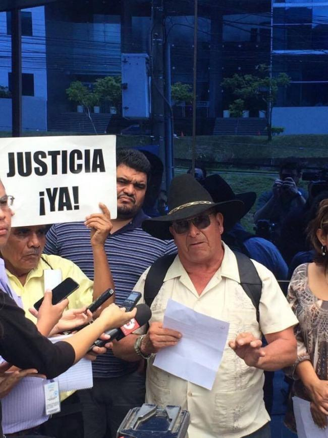 Longtime Tacuba resident David Aguirre speaks outside the Attorney General's office (Photo by Hilary Goodfriend)