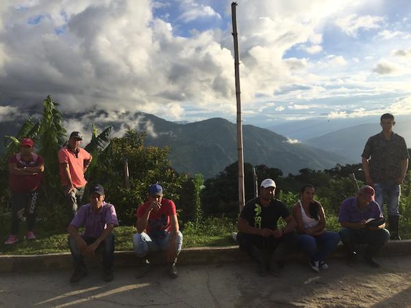 Los campesinos de Briceño removieron sus plantaciones productivas de coca adheridos a un acuerdo con el gobierno colombiano pero actualmente siguen esperando los proyectos productivos que les fueron prometidos para reemplazarlos. (Foto por Alex Diamond)