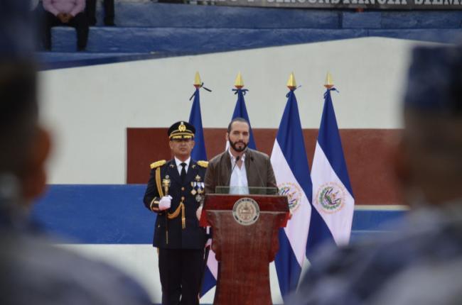 Nayib Bukele recieves the bastón de mando (a ceremonial staff) from the Armed Forces of El Salvador (Casa Presidencial de la República de El Salvador)