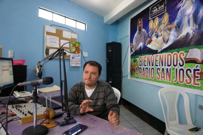 Osmar Miranda, a radio operator for Radio San José (Photo by Jared Olson)