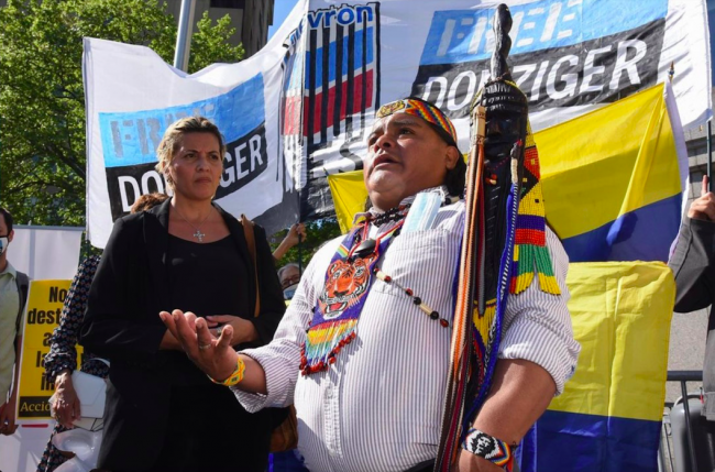 Shuar leader Lino Wampustrik speaks on the final day of Donziger's trial, May 17, 2021. Wampustrik witnessed oil contamination in his community in the Ecuadorian Amazon and now organizes in support of Donziger in New York City. (Gabriela Barzallo)