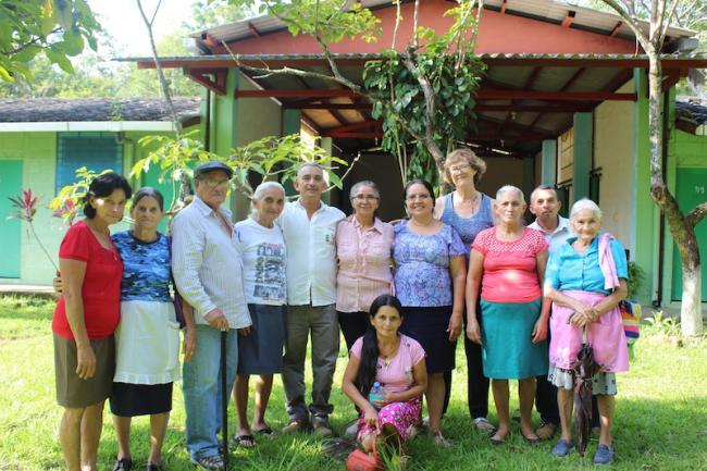 Los miembros del Comité de Memoria Histórica Sobreviviente (Comité de Memoria Histórica de Sobrevivientes de Arcatao, Chalatenango)