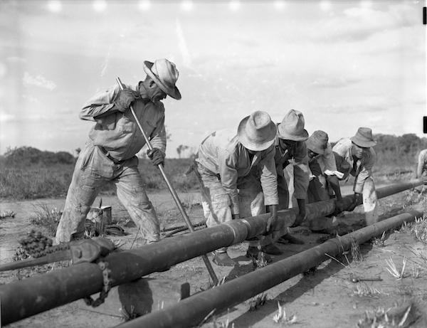 Workers on an oil field, in eastern Venezuela in the 1930s (Standard Oil (New Jersey) Collection Photographic Archives, University of Louisville)