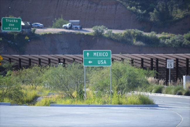 The United States-Mexico border zone in Nogales, Arizona (Flickr)