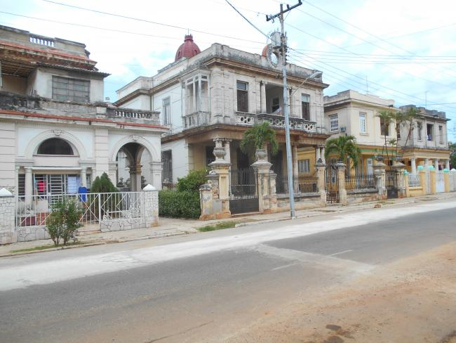New businesses including casas particulares are opening in the Vedado district. (Daniel Hellinger)