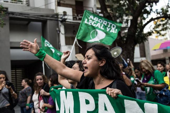 Demonstrators march in support of legalized abortion on International Women's Day in Santa Fe, Argentina, March 8, 2019. (Photo by Lara Va/Wikimedia).
