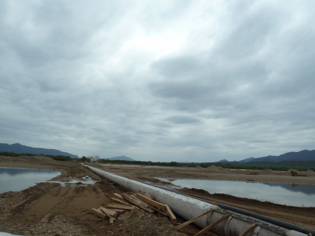 A new gas pipeline diverts the course of the Pilcomayo River at TCO Itika Guasu (Photo by Penelope Anthias)