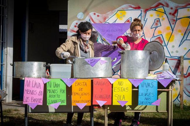 Ni Una Menos olla popular organized by the Asamblea Feminista Conurbana Noreste (Photo by María de los Ángeles Solís)