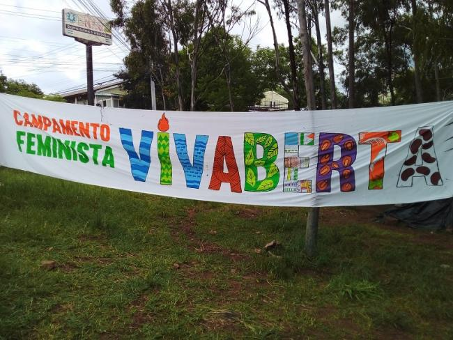 The Long Live Berta Feminist Camp in Tegucigalpa has continued for weeks as the trial drags on, bringing together supporters of Cáceres and Indigenous movements (Jackie McVicar)