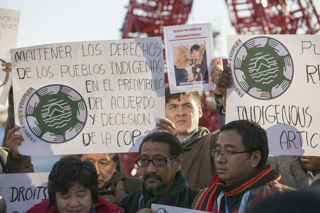 Advocates for indigenous rights at COP 21 (Flickr/UNFCCC)