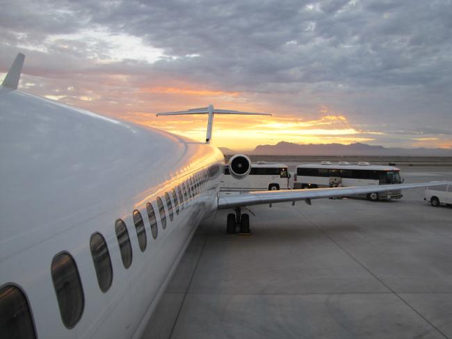 A U.S. government charter flight bound for Guatemala City prepares to take off from Phoenix-Mesa Gateway Airport (Photo: Fronteras Desk, Flickr).