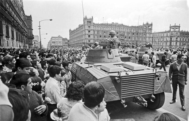 An encounter between the Mexican army and student protesters in the summer of 1968 in Mexico City's Zócalo (Wikimedia Commons)