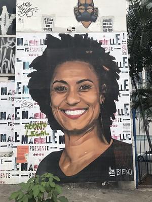 Tribute to Marielle Franco by artist Luis Bueno in São Paulo. (Elias Rovielo)