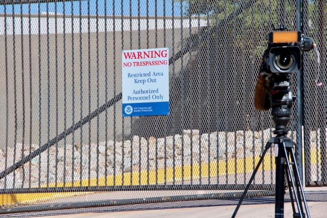 Outside the detention center in Nogales where Central American children were held in June 2014. (Photo by Molly Molloy)