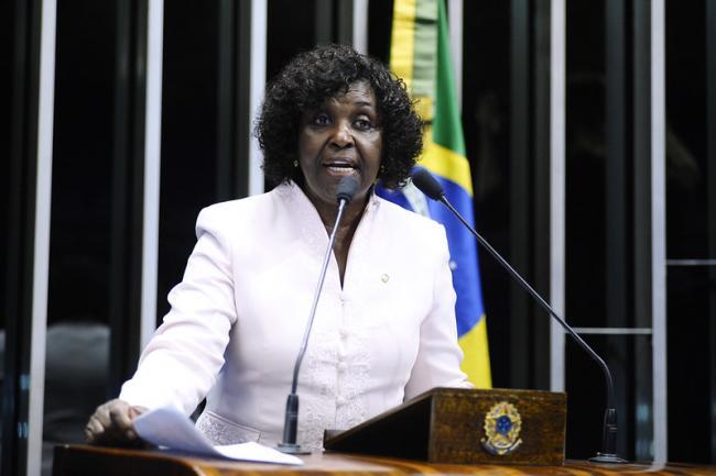Congresswoman Benedita da Silva of Rio de Janeiro in 2015 (Marcos Oliveira/Agência Senado)