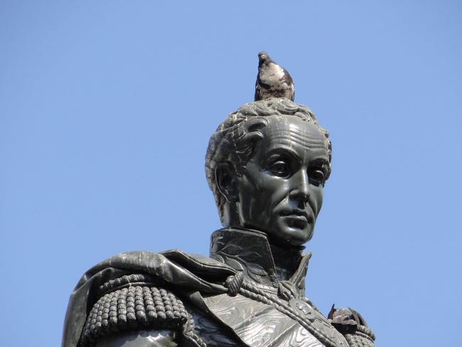 A statue of Simón Bolívar en Guayaquil, Ecuador (Photo: Oscar Padilla Álvarez, Flickr).