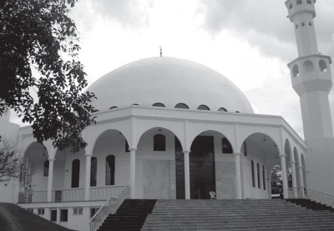 A mosque in Foz do Iguaçu (Herr Stahlhoefer/Wikimedia Commons).